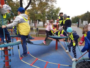 Zabawy w Parku Strzeleckim.
